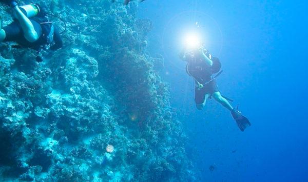 水中でも通信できるLED通信